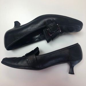 Vaneli Zilina black leather kitten heel pumps